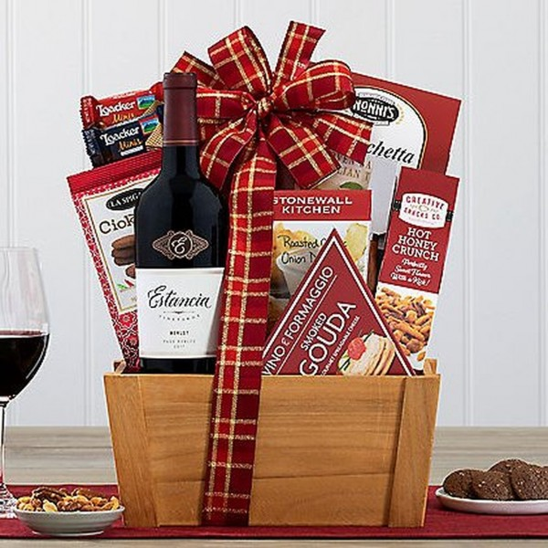 ESTANCIA MERLOT WINE GIFT BASKET