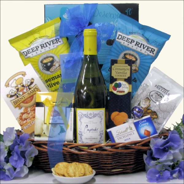 CUPCAKE VINEYARDS: BIRTHDAY RED OR WHITE WINE GIFT BASKET
