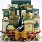 BUBBLY SPARKLING WINE: CHAMPAGNE GIFT BASKET