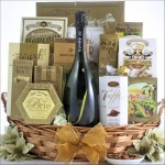 SIMPLY CHIC: CHAMPAGNE GIFT BASKET