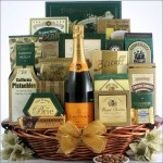 THE GOURMET SOPHISTICATE: CHAMPAGNE GIFT BASKET