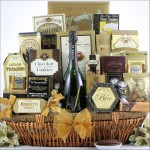 THE GRAND GOURMET: CHAMPAGNE GIFT BASKET