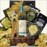 LITTLE BLACK DRESS DIVALICIOUS: RED OR WHITE WINE GIFT BASKET