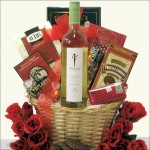 SKINNY GIRL: WINE GIFT BASKET