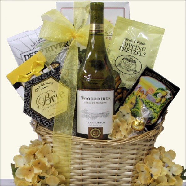 WOODBRIDGE CHARDONNAY: WINE GIFT BASKET