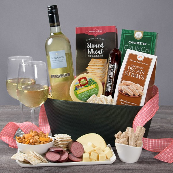 WINE CLASSIC GOURMET WHITE WINE GIFT BASKET