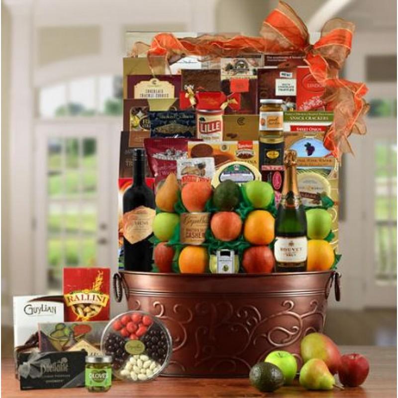 kings-ransom-red-wine-fruit-gourmet-gift-basket-800x800.JPG