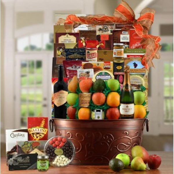 King's Gourmet Wine and Fruit Gift Basket